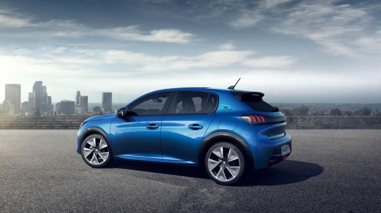 Nu i höst lanseras nya Peugeot e-208 i eldrivet utförande!