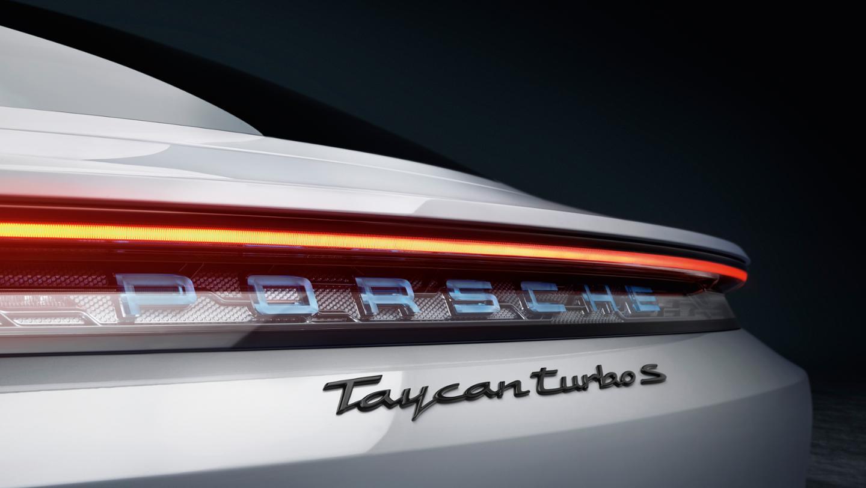 Porsche Taycan3