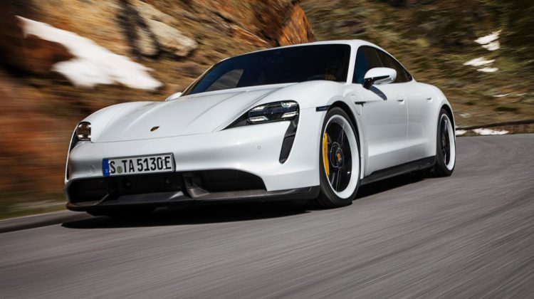 Porsches första elektriska sportbil heter Taycan!