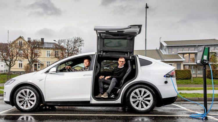 De skapade en plats för begagnade miljöbilar på nätet