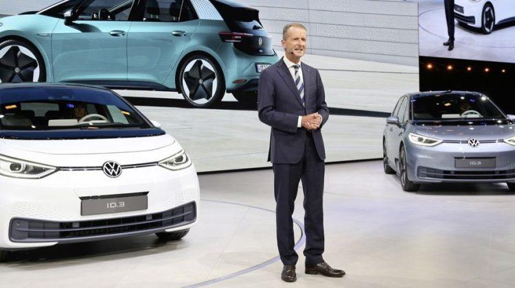 VW-chefen: Vi ska tjäna lika mycket pengar på elbilar som bensinbilar