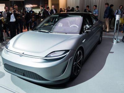 Tech-företaget Sony visar upp sin första elbil kallad Vision-S